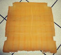 cómo-tapizar-butaca-rústica Butcher Block Cutting Board, Diy, Home Decor, Ideas Para, Chair Upholstery, Wooden Crafts, Chairs, Rustic Style, Poem