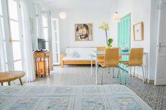 Échale un vistazo a este increíble alojamiento de Airbnb: Apartamento en el casco antiguo - Apartamentos en alquiler en Frigiliana