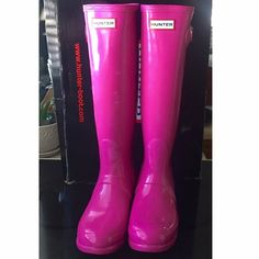 Lipstick Pink Hunter Boots size 8 *NEW! Hunter Original Gloss boots in very hard to find LIPSTICK PINK!!!! Size 8. Seasonal color no longer available. Purchased from Hunter.  *cross-posted on ♏️erc Hunter Boots Shoes Winter & Rain Boots
