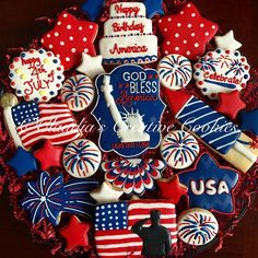 of July patriotic cookies Summer Cookies, Fancy Cookies, Iced Cookies, Cute Cookies, Royal Icing Cookies, Holiday Cookies, 4th Of July Celebration, 4th Of July Party, Fourth Of July