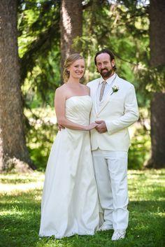 Family Portrait Photography, Family Portraits, Portrait Photographers, Lgbt Wedding, Destination Wedding, United States, Engagement, Wedding Dresses, Fashion