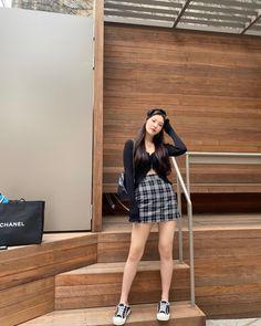 Blackpink Fashion, Ulzzang Fashion, Korean Fashion, Fashion Outfits, Kpop Outfits, Korean Outfits, Casual Outfits, Cute Outfits, Mode Ulzzang