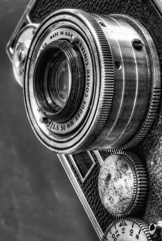 Vintage Cameras Argus - My Father's old camera which I learned on. Camera Photos, Camera Art, Retro Camera, Black N White, Black White Photos, Black And White Photography, Photography Camera, Vintage Photography, Learn Photography
