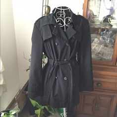 Calvin Klein trench coat Size tag has been ripped out. Measurements: armpit to armpit flat 25.5 inches waist 25.5 inches flag  length from the shoulder 32 inches. This item is in good condition but it has been worn please ask any questions before purchasing. This item will only be traded for an autographed Authentic Chanel original, a Lamborghini, a penthouse in Paris, or the services of an Audi mechanic. All orders will be recorded before shipping. I do not model Calvin Klein Jackets…