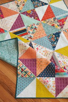 Fleet and Flourish Fleet and Flourish Fleet and Flourish – RebaLeigh Handmade<br> This quilt was an unexpected color-splosion that taught me to branch out of my comfort zone. Scrappy Quilt Patterns, Patchwork Quilting, Scrappy Quilts, Easy Quilts, Quilt Blocks, Quilt Square Patterns, Amish Quilts, Quilting Tutorials, Quilting Projects