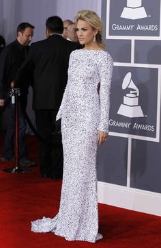Carrie Underwood, 2012 Grammy Awards red carpet. She always looks fab but this is gorgeous