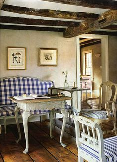 A contemporary small apartment with Swedish style Interior Design. A small space apartment, with very cozy and spacious interior. Swedish Interiors, Cottage Interiors, Country Interiors, Swedish Style, French Country Style, Swedish Design, Country Blue, Rustic French, Scandinavian Style