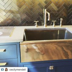 I wonder if there's a pewter or a copper? Kitchen Colors, Kitchen Design, Farmhouse Bowls, Hawaii Homes, Kitchen Backsplash, Rocky Mountains, Cool Kitchens, Tiles, Sink