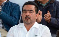 El presidente municipal emanado del PT, Juan Carlos Arreygue, su director de Seguridad Pública y tres elementos policiacos fueron…