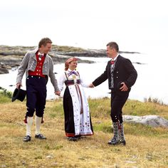 Folk Clothing, Traditional Outfits, Norway, Culture, Embroidery, Couple Photos, Clothes, Fashion, Hipster Stuff