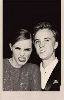 Emma Watson and Tom Felton. I love them so much- Harry Potter Harry Potter Cast, Harry Potter Love, Harry Potter World, Hermione Granger, Draco And Hermione, Tom Felton, Serge Gainsbourg, Emma Watson, Hogwarts
