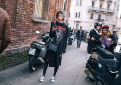 Issa Lish in Vetememes with a Loewe bag