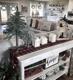 Are you searching for pictures for farmhouse christmas decor? Check out the post right here for unique farmhouse christmas decor images. This cool farmhouse christmas decor ideas looks totally fantastic. Farmhouse Christmas Decor, Rustic Christmas, Livingroom Christmas Decor, Apartment Christmas, Outdoor Christmas, Noel Christmas, Family Christmas, Christmas Ideas, Christmas Christmas