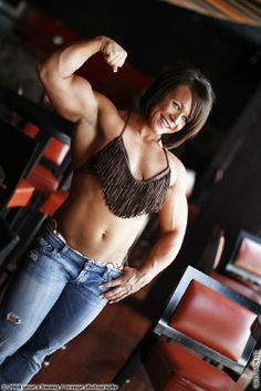 Aleesha Young Best Physique, Muscular Women, Athlete, Muscle, Crop Tops, Fitness, Fashion, Pictures, Sports
