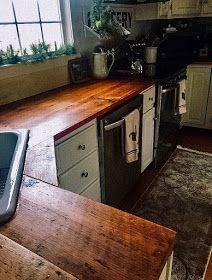 The Long Awaited Home: DIY Reclaimed Wood Kitchen Countertops wood countertops Reclaimed Wood Countertop, Diy Wood Countertops, Reclaimed Wood Kitchen, Rustic Kitchen, Wood Countertop Bathroom, Old Farmhouse Kitchen, Farmhouse Sinks, Farmhouse Style, Home Design