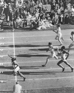 > Jesse Owens 1936