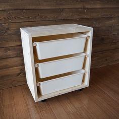 ***ダイソースクエアボックスでIKEA風の収納 LIMIA (リミア) Diy Crafts Hacks, Diy And Crafts, Diy Projects, Diy Kids Kitchen, Under Sink, Color Box, Diy Interior, Closet Storage, Organization Hacks