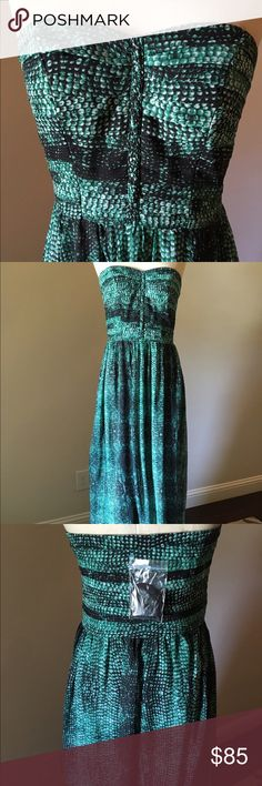 Size 4, new Anthropologie maxi dress Stunning dress, never worn! Perfect condition! Strapless, back zip. Anthropologie Dresses Maxi