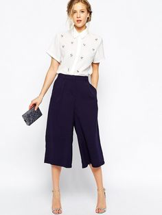 ASOS True Decadence Culottes I could actually get away with wearing these to work. 10 Monday-Morning Outfit Ideas You Can Put Together Super-Fast via WhoWhatWear Casual Outfits, Summer Outfits, Fashion Outfits, Women's Casual, Fasion, White Outfits, Smart Casual Work Outfit, Smart Casual Women, Classy Outfits
