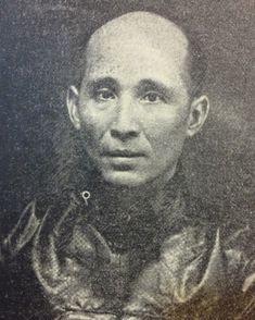 Asing,thecookofJoseRizal,at40yearsofage.TakeninHongKong,1913(PhotocourtesyofJohnL. Silva)