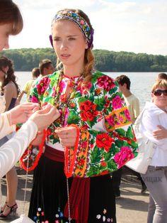 Gallery.ru / Фото #10 - Випускний у вишиванках (Тернопіль, 29.05.2010) - svetik67