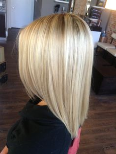 Blonde Hair Looks, Brown Blonde Hair, Medium Hair Styles, Curly Hair Styles, Buttery Blonde, Pinterest Hair, Hair Color And Cut, Great Hair, Dyed Hair