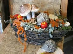 Christmas Flower Decorations, Fall Flowers, Fall Decor, Diy Home Decor, Diy And Crafts, Wreaths, Seasons, Table Decorations, Creative