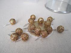 honey my heart: DIY: Glittered Push pins