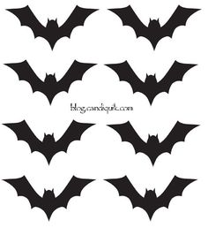 Halloween - Outline for Bat Cupcake Toppers by Halloween Cupcakes, Menu Halloween, Bolo Halloween, Dessert Halloween, Halloween Templates, Holidays Halloween, Halloween Kids, Halloween Crafts, Halloween Decorations