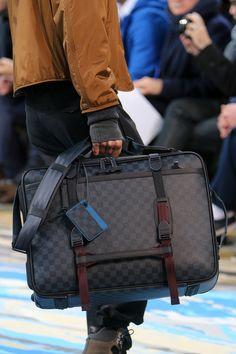 Louis Vuitton Fall 2014 Menswear Fashion Show Mochila Louis Vuitton, Vuitton Bag, Louis Vuitton Handbags, Cheap Handbags, Mens Travel Bag, Travel Bags, Travel List, Travel Ideas, Men Accessories
