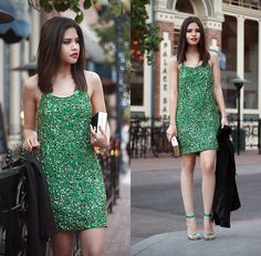 Get this look: http://lb.nu/look/6027621  More looks by Adriana Gastélum: http://lb.nu/bagt  Items in this look:  Virgos Lounge Sequin Green Romy Dress   #mexico #virgoslounge #chic #elegant #sequins #classy #dress #glamour #clutch
