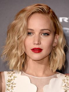 actresses with blonde hair in their 20s