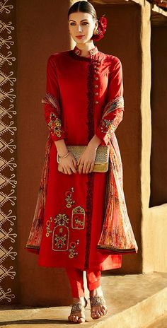 428582 Red and Maroon color family Party Wear Salwar Kameez in Linen fabric with Machine Embroidery, Resham, Thread work . Designer Salwar Kameez, India Fashion, Ethnic Fashion, Asian Fashion, Pakistan Fashion, Big Fashion, Pakistani Dresses, Indian Dresses, Indian Outfits