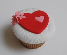 Heart and Flowers Simply Elegant Valentine's Day Cupcake