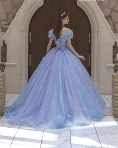 Pin on dresses Beautiful Gowns, Beautiful Outfits, Quinceanera Dresses, Prom Dresses, Bridal Gowns, Wedding Gowns, Fantasy Gowns, Debut Gowns, Colored Wedding Dresses