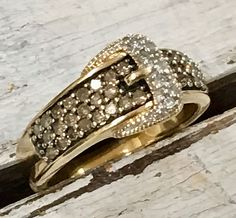 Diamond & 10kt Gold Buckle Ring Size: 7