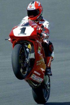 Foggy on the Ducati 916 Ducati 748, Ducati Superbike, Ducati Motorcycles, Valentino Rossi, Grand Prix, Side Car, Ducati Cafe Racer, Super Bikes, Motorcycle Bike