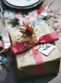 dustjacket attic: Flowers | Birds | Bows | Berries