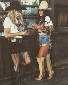 day outfit for Nashville Estilo Fashion, Boho Fashion, Ideias Fashion, Fashion Outfits, Western Style, Western Wear, Western Boots, Cowgirl Outfits, Western Outfits