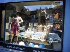 Aktuelle Wies'n Auslage bei Kirsches's Taschen und mehr...! in Bad Vöslau
