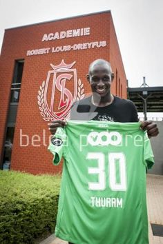 06/08/2013: Standard's new player French Yohann Thuram poses for the photographer after a press conference of Belgian first division soccer team Standard de Liege to present a new player. (Nicolas Lambert)