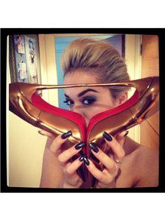 Get Rita Ora's shiny black nails!