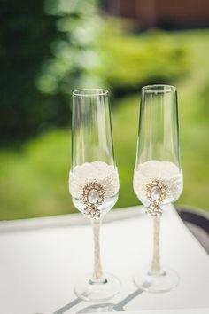 Романтическая свадьба. Свадебные бокалы.