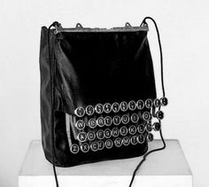 Bag 'Hommage a Remington' by Patrizia Dona (c)  wouldn't this be cool using  typewriter keys