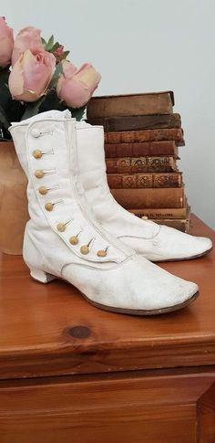 Ladies Boutique, Combat Boots, Army, Shoes, Fashion, Gi Joe, Moda, Zapatos, Military