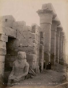 POSSIBLY USURPED NOT CONSTRUCTED BY RAMSES II, RESEARCHING - XIXe siècle - Colonnade de la 2ème cour du temple de Luxor.