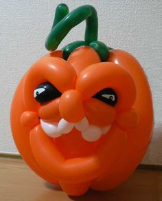 How to make a Wicked Balloon Pumpkin