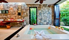 Casa Kalika: All five bedrooms have en suite bathrooms; some have outdoor showers and soaking tubs.