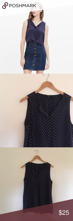 Madewell silk composition tank in dots and stars Breezy silk composition tank in dots and stars pattern. EUC. Length: 25 Loose fit Madewell Tops Tank Tops