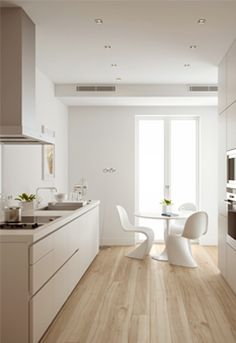 Sleek, clean and fresh this award winning Bulthaup kitchen is highly equipped Room Interior Design, Kitchen Interior, Interior Decorating, Design Kitchen, Bulthaup B1, Panton Chair, Cuisines Design, Küchen Design, Kitchen Flooring